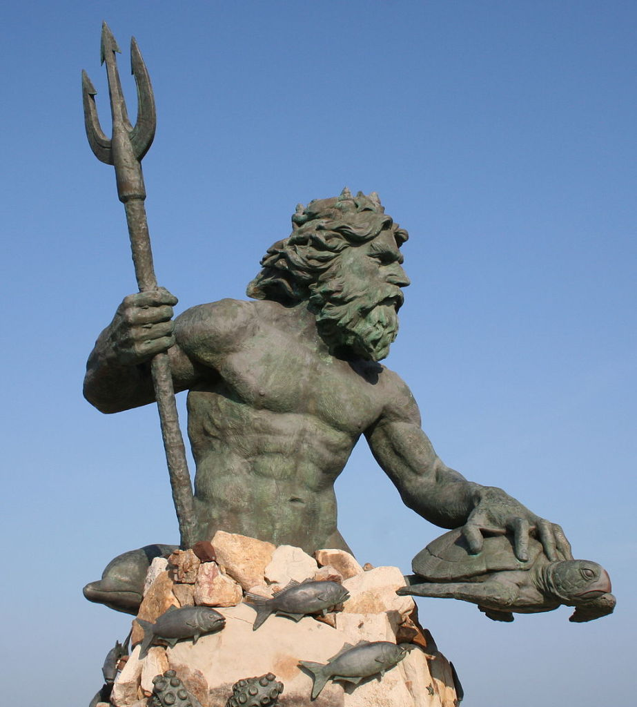 1024px-Neptune_statue_virginia_beach